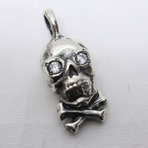 ワープ&ウーフ 【スカル クロスボーン ペンダントトップ <シルバー925 + キュービックジルコニア (石クリア)>】 WARP AND WOOF 【Skull X Bone Pendant Top <SILVER 925 + CZ>】